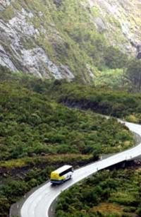 Milford Sound Full-Day Tour from Queenstown to Te Anau