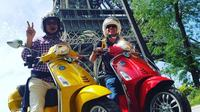 Private Paris Full-Day Vespa Guided Tour with Gourmet Break