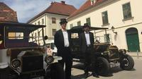 Zagreb 60-Minute Private Sightseeing Tour in Electric Classic Car Replica