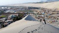 Sandboarding Lesson in Trujillo