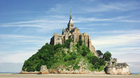 Mont Saint-Michel Day Trip from Paris with Lunch at Mere Poulard and Abbey Entrance