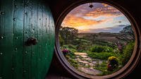 Waitomo Caves and Lord of the Rings Hobbiton Movie Set Tour including Lunch from Hamilton, Hamilton Tours and Sightseeing