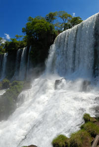 Full-Day Sightseeing Tour of the Argentinian and Brazilian Sides of Iguassu Falls from Puerto Iguazú