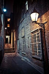 Private Tour: London Ghost Tour by Traditional Black Cab