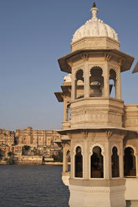 Private Arrival Transfer: Udaipur Airport to Hotel