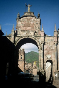 Private Tour: Awana Kancha and San Blas from Cusco