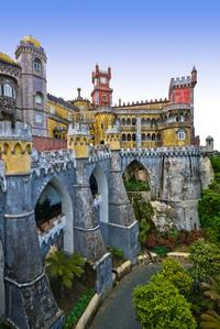 Small-Group Sintra Royal Palaces Day Trip from Lisbon: Pena Palace, Queluz Palace and Sintra Palace