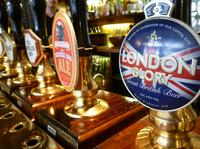 Small Group Tour: Historical Pub Walking Tour of London