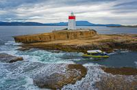 Hobart Sightseeing Cruise including Iron Pot Lighthouse image 1