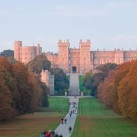 Private Tour: Chauffeur-Driven English Castles Tour of London