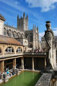 Small-Group Day Trip to Bath, Lacock and Stonehenge from London