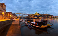 Porto Sightseeing Tour at Night with Fado Performance