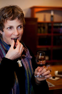 Small-Group Chocolate and Port Wine Tasting and Pairing in Hong Kong