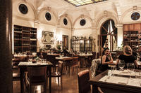 Rome Gourmet Wine and Dinner Experience in a Private Cellar by the Pantheon
