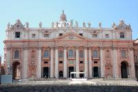 Rome Super Saver: Skip-the-Line St. Peters Basilica Walking Tour and Audio-