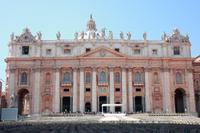 Skip the Line: St Peters Basilica Walking Tour Including Views from the Top
