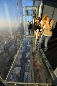 Breakfast in the Sky: Early Access to Skydeck of Willis Tower in Chicago