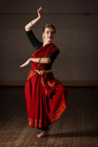 Experience Chennai: Small-Group Bharatanatyam and Bollywood Dance Class