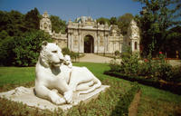 Bosphorus Bridge, Camlica Hill and Dolmabahce Palace Tour in Istanbul
