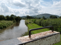 Private Tour: 2-Night Peak District Canal Boat Tour from Manchester to Congleton