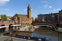 Small-Group Overnight Manchester Canal Boat Cruise
