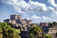 Private Tour: Early Access to Tulum with an Archaeologist and Xel-H or Xcaret from Cancun