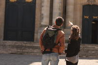 Lunch and Guided Walk in the Old Town of Versailles