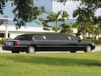 Private Round-Trip Transfer: Freeport Airport to Hotel Private Car Transfers