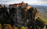 Meteora Half Day Tour Including Theopetra Cave with Transport from Kalambaka