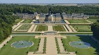 Vaux-le-Vicomte Castle Day Trip with Chateaubus Shuttle