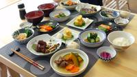 Small-group Wagyu Beef and Kaiseki Ryouri Cooking Class in Tokyo