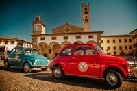 Self-Drive Vintage Fiat 500 Tour from Florence: Tuscan Villa and Picnic Lun