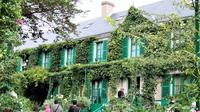 Private Giverny and Versailles Skip the Line with Audioguide from Paris