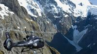 Milford Sound and the Glaciers Helicopter Tour including Landing from Queenstown, Queenstown Air Activities