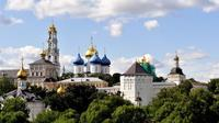 Moscow Private Day Trip to Sergiev Posad Including Matryoshka Factory and Holy Trinity Lavra With Lunch