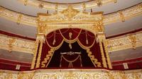 Private Tour: Red Square with Bolshoi Theatre Backstage tour and 4-course Traditional Russian Lunch