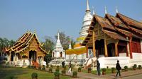 Chiang Mai Temples and Local Markets by Trishaw with Street Food