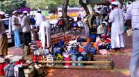 Private Tour of Dhobi Ghat and Dabbawalas in Mumbai Private Car Transfers