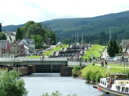 We arrived at Loch Ness for lunch., Zoltan N - August 2010