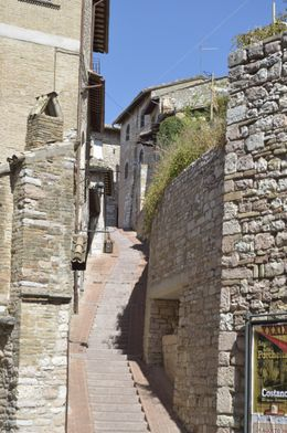 Typical side street in Assisi , hobbit599 - September 2012