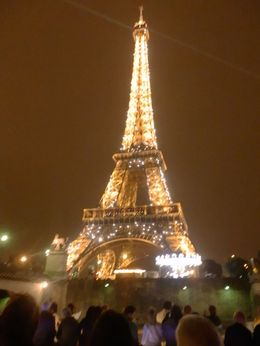You have never seen the Eiffel Tower until you see it at night! , terrylou - September 2014