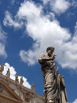 One of several statues around the Vatican , gderazi - June 2013