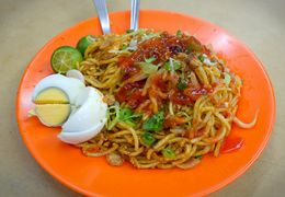 Photo of Kuala Lumpur Eat Like a Local: Kuala Lumpur Hawker Center and Street Food Tour by Night Tasty noodles