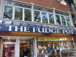 Photo of Chicago Small-Group Chicago Food Tour: Gold Coast and Old Town The Fudge Pot