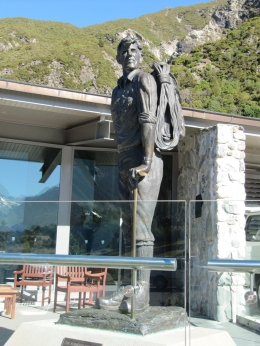 Statue of Sir Edmund Hillary outside Hermitage - May 2010