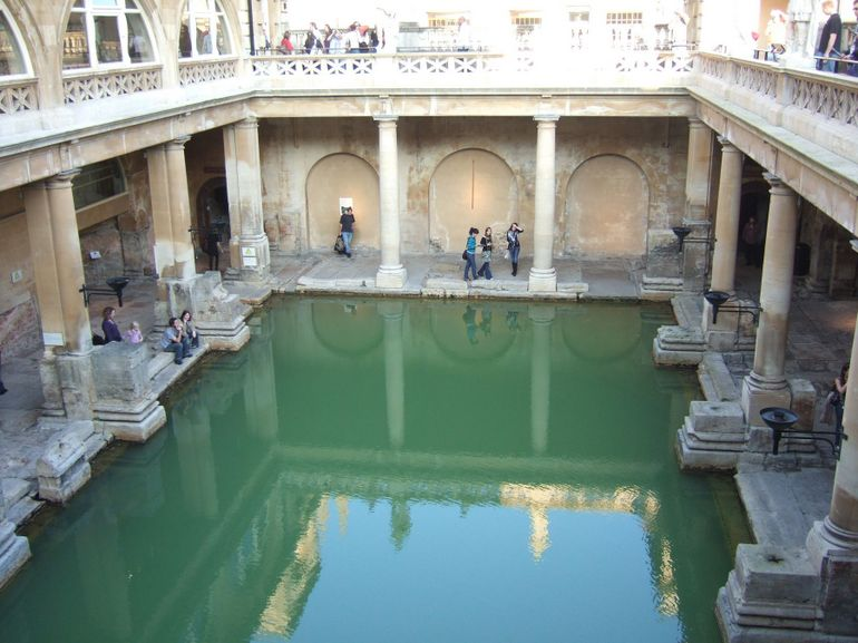 Windsor, Stonehenge and Roman Baths Day Trip - London