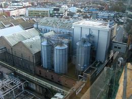 Photo of Dublin Skip the Line: Guinness Storehouse Entrance Ticket zicht op de brouwerij Guinness