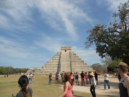 Visiting Chichén Itzá pyramind! :) , Karina N - March 2013