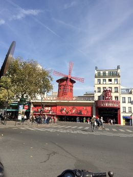 Photo of   Moulin Rouge during the day