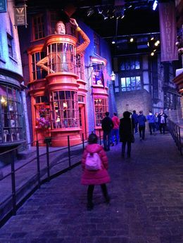 Warner Bros. Studio Tour London - The Making of Harry Potter, lastiz - February 2016